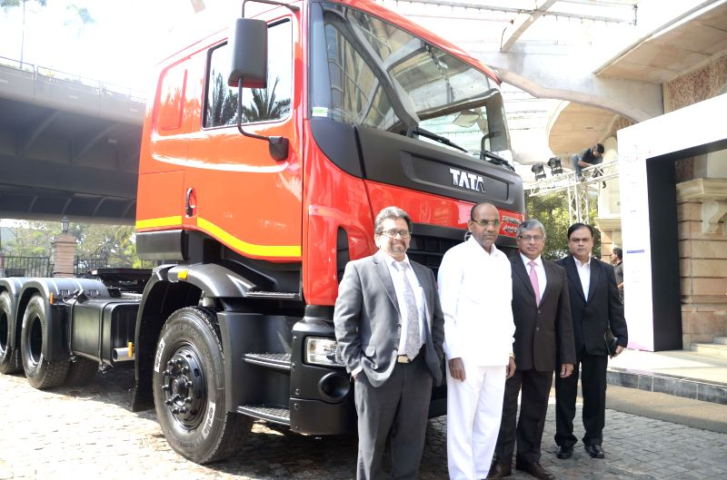 Union Minister, Heavy Industries and Public Sector Enterprises Anant Geete at the Commercial Vehicles Conclave 2015 in Mumbai, on Feb 16, 2015.