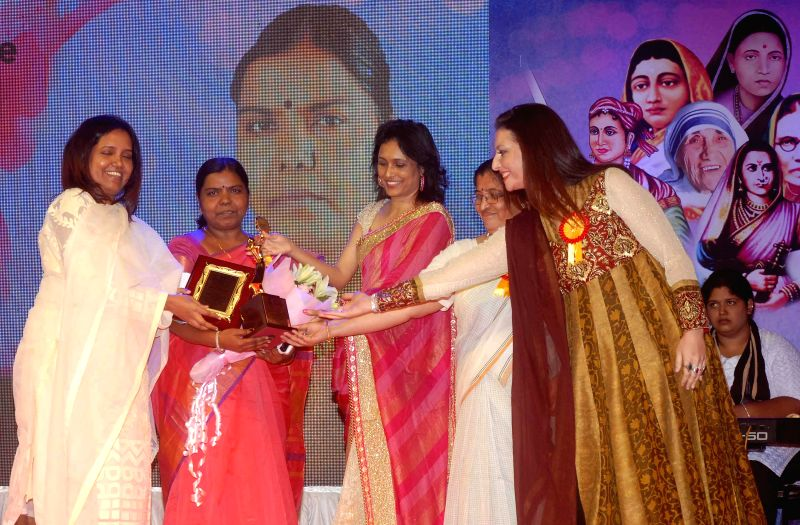 Varsha Gaikwad, Corporate Chandrakanta Sonkamble, Org. Dr. Bhavna Raj and Actress Gioconda Vessichelli during the `Being Woman`, a special event on International woman`s day, in Mumbai, on ... - Gioconda Vessichelli
