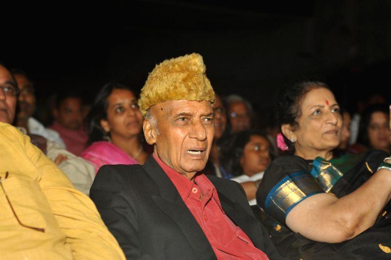 Music Director Khayyam during the 25th Master Dinanath Mangeshkar Awards in Mumbai on April 25, 2014.