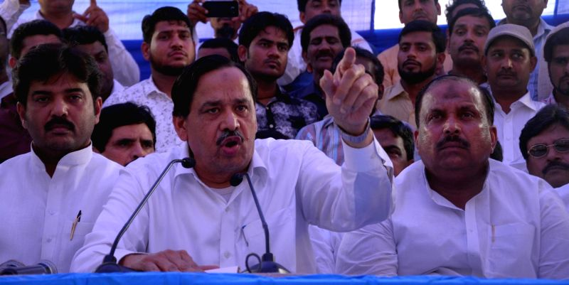Naseemuddin Siddiqui who has been expelled from BSP by Mayawati addresses a press conference in Lucknow on May 11, 2017.