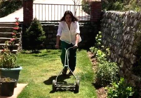Neena Gupta mows the lawn amid coronavirus.