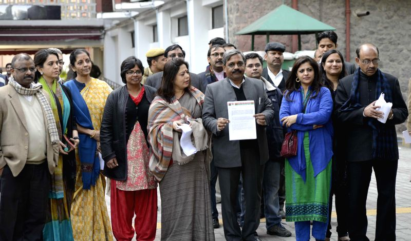 A BJP delegation including Delhi BJP chief Satish Upadhyay, party MP Meenakshi Lekhi, Union Minister of State for Commerce and Industry (Independent Charge) Nirmala Sitharaman, Nupur ... - Satish Upadhyay and Nupur Sharma