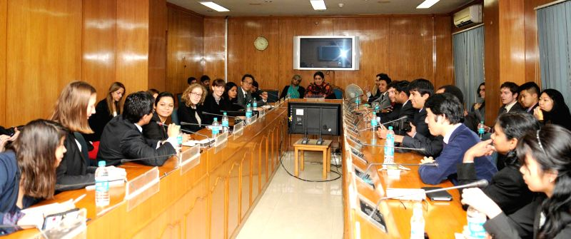 A delegation from the MIT and Harvard University calls on the Union Minister for Human Resource Development Smriti Irani, in New Delhi on Jan 19, 2015.