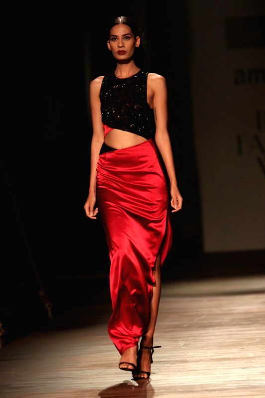 A model showcases fashion designer Namrata Joshipura`s creations during Amazon India Fashion Week in New Delhi, on March 27, 2015.