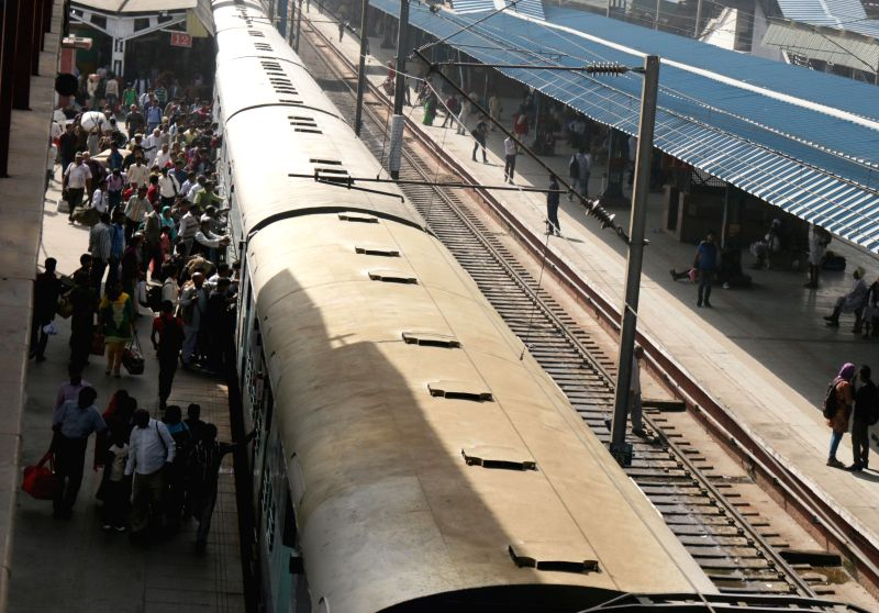 A view of New Delhi Railway station as Union Railways Minister Suresh Prabhakar Prabhu presents Railway Budget 2015-16 at the Parliament in New Delhi, on Feb 26, 2015. - Suresh Prabhakar Prabhu