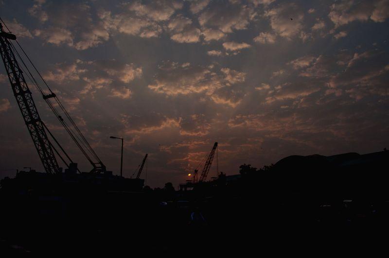 :New Delhi: A view of sunrise in New Delhi on Nov. 6, 2015. .