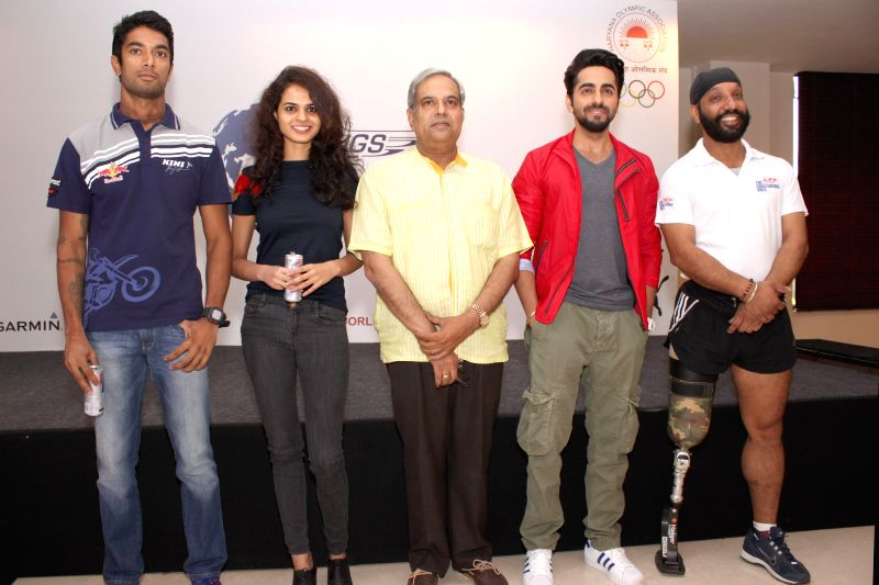 Actor Ayushmann Khurrana with Indian blade runner Major D P Singh, India's top biker CS Santosh, chess player Tania Sachdev and IPS Paramvir Rathee during a programme to announce the 2nd ... - Ayushmann Khurrana and D P Singh