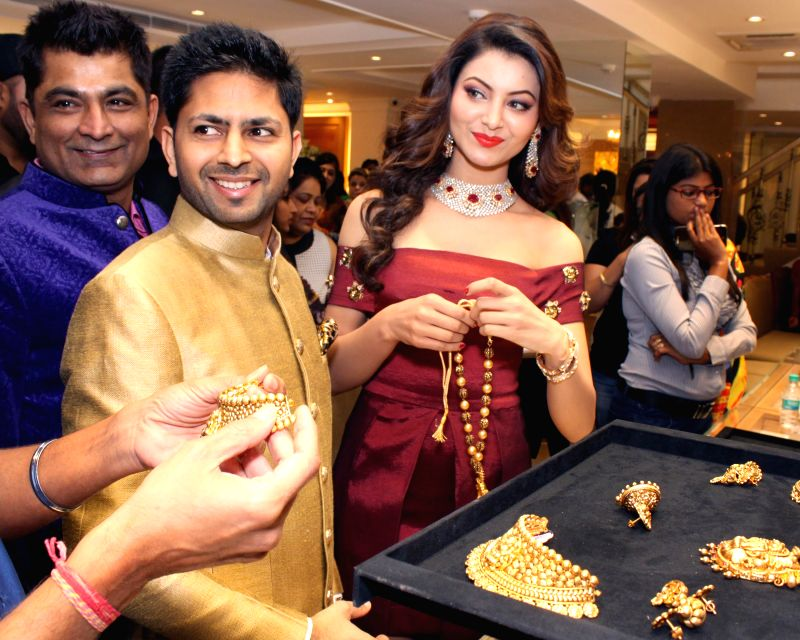 Actor Chunky Pandey at the launch of a jewelery shop in New Delhi, on April 22, 2015. - Chunky Pandey