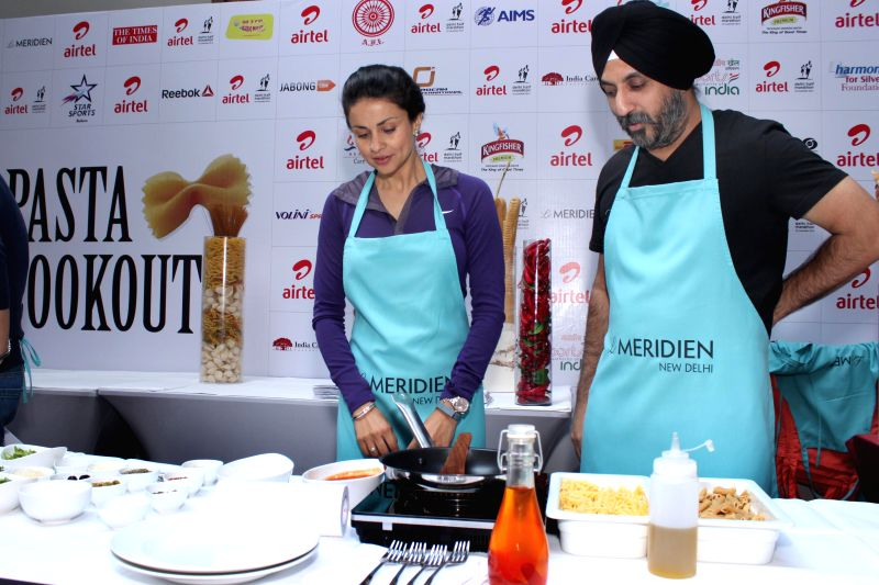 Actor Gul Panag during the Airtel Delhi Half Marathon's event Carbo Loading Session a Pasta cooking session at Le Meridien in New Delhi on Nov 22, 2014. - Gul Panag