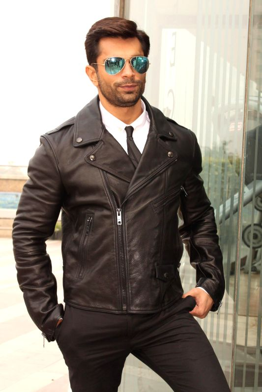 Actor Karan Singh Grover during a press conference to promote his upcoming film `Alone` in New Delhi, on Jan 12, 2015. - Karan Singh Grover