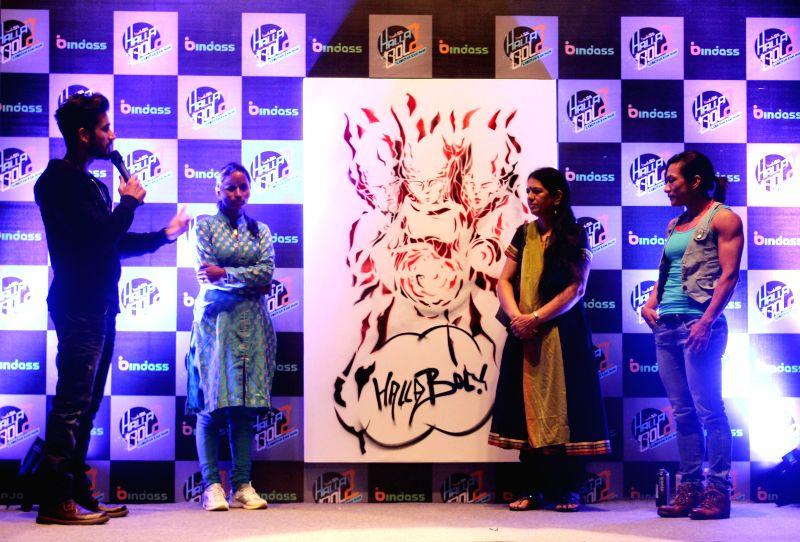 Actor Karan Tacker felicitates Mamta Rawat, private investigator Rajani Pandit, woman body builder Mamta Devi at the launch of a television reality show at Kammani Auditorium in New Delhi,