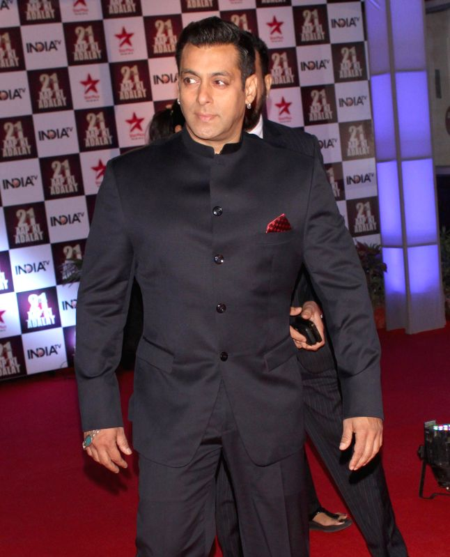 Actor Salman Khan during a programme organised to celebrate 21 years of a `Aap Ki Adalat` a TV show at Pragati Maidan in New Delhi on Dec 2, 2014. - Salman Khan