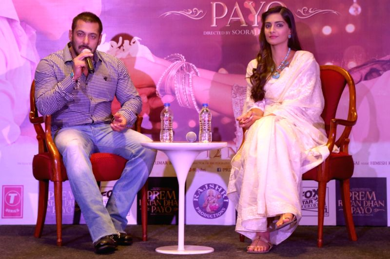 : New Delhi: Actors Salman Khan and Sonam Kapoor during a press conference organised to promote his upcoming film `Prem Ratan Dhan Payo` in New Delhi on Nov. 4, 2015. . - Salman Khan