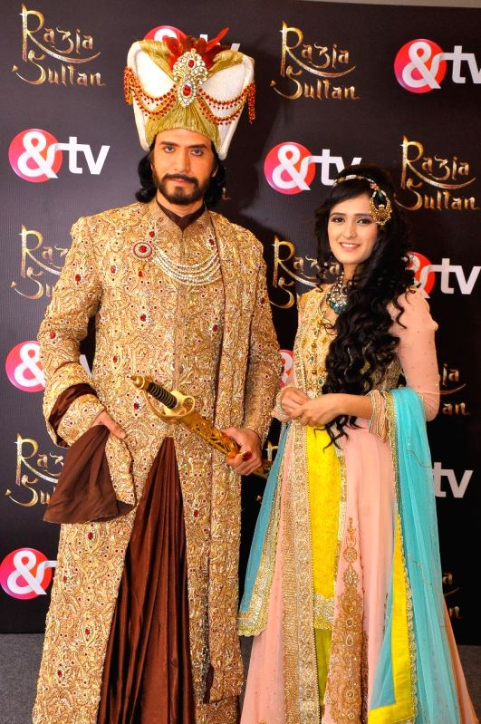 Actors Sooraj Thapar and Pankhuri Awasthi during a press conference of his upcoming TV serial `Razia Sultan` in New Delhi, on Feb 4, 2015. - Sooraj Thapar and Pankhuri Awasthi