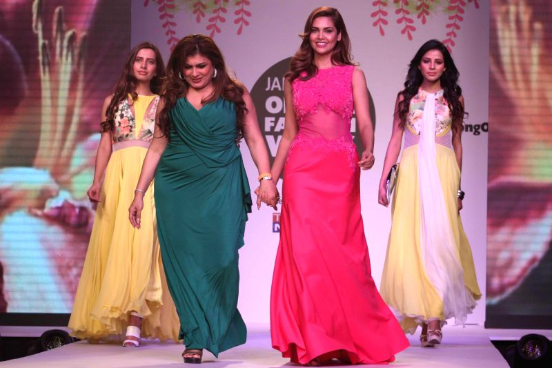Actress Esha Gupta at the JABONG Online Fashion Week Season-2, in New Delhi on Feb 11, 2015. - Esha Gupta