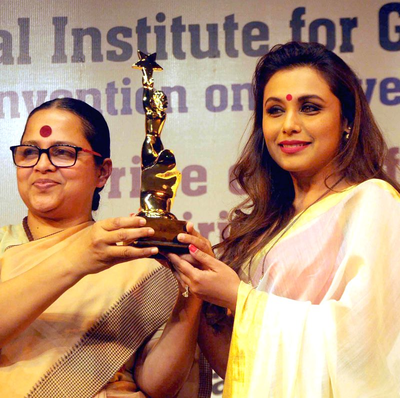 Actress Rani Mukerji receives Nirbhoy Didi Award for her role in film `Mardaani`.  from the Chairperson of Institute For Gender Justice Sreerupa Mitra Chaudhury during a programme ... - Sreerupa Mitra Chaudhury