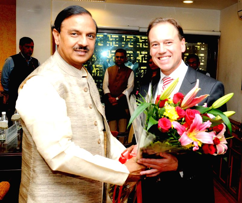 Australian Environment Minister Greg Hunt meets the Union Minister of State for Culture (Independent Charge), Tourism (Independent Charge) and Civil Aviation, Dr. Mahesh Sharma, in New ... - Greg Hunt