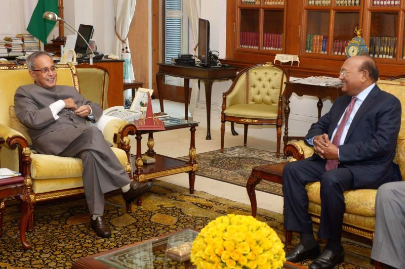 Bangladesh Commerce Minister Tofail Ahmed calls on President Pranab Mukherjee at Rashtrapati Bhavan in New Delhi, on Jan 18, 2015. - Tofail Ahmed and Pranab Mukherjee