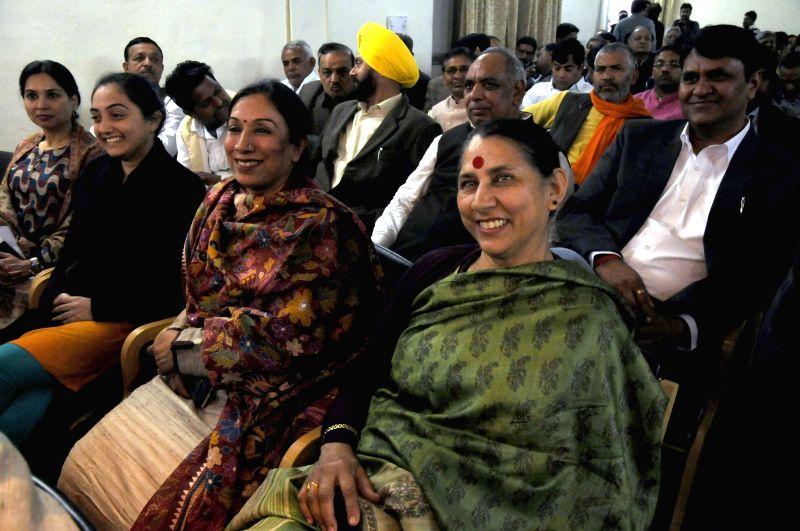 BJP leaders Nupur Sharma, Krishna Tirath and others during a review meeting of the party in New Delhi, on Feb 8, 2015. - Nupur Sharma