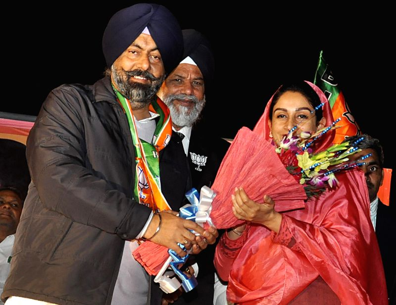 Central Food Processing Minister and Member Parliament  Bathinda Harsimrat Kaur Badal campagning in favor of Harmeet Singh Kalka SAD-BJP Candidate from Kalkaji Vidhansabha Constituency ...
