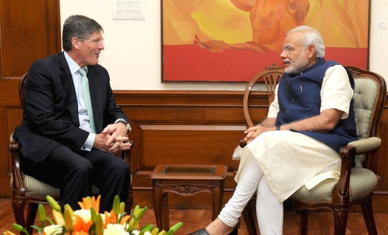 CEO, Citigroup Michael Corbat calls on the Prime Minister Narendra Modi, in New Delhi on April 20, 2015. - Narendra Modi