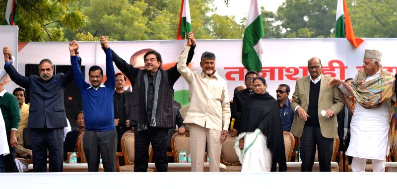 New Delhi: Congress leader Anand Sharma, Delhi Chief Minister and AAP leader Arvind Kejriwal, actor turned politician Shatrughan Sinha, Andhra Pradesh Chief Minister and TDP supremo N. Chandrababu Naidu, West Bengal Chief Minister and Trinamool Congr