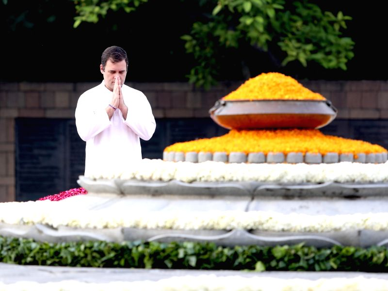 New Delhi: Congress leader Rahul Gandhi pays tributes to his father and Former Prime Minister Rajiv Gandhi on his 75th birth anniversary at Virbhoomi in New Delhi on Aug 20, 2019. (Photo: IANS)