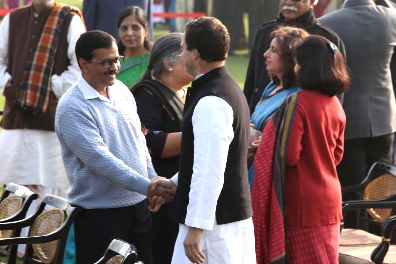 New Delhi: Congress President Rahul Gandhi interacts with Delhi Chief Minister Arvind Kejriwal during  'At Home' reception hosted by President Ram Nath Kovind on Republic Day 2018 at Rashtrapati Bhawan in New Delhi on Jan 26, 2018. (Photo: Amlan Pali