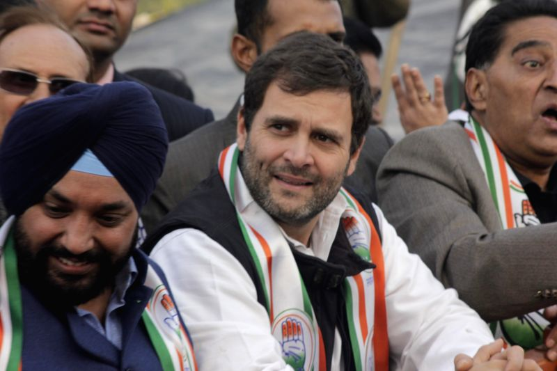 New Delhi : Congress vice president Rahul Gandhi with Delhi Congress chief Arvinder Singh Lovely, senior leader Ajay Maken and other leaders during election campaign rally in New Delhi on Jan. 27, ... - Arvinder Singh Lovely
