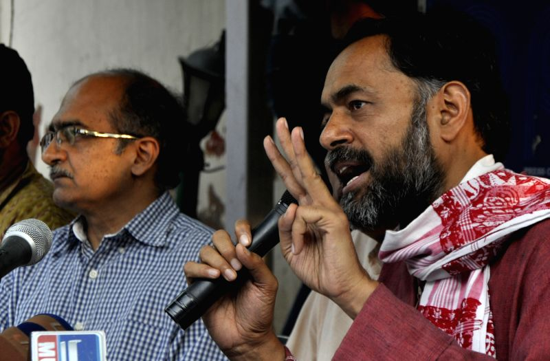 Dissident AAP leaders Yogendra Yadav and Prashant Bhushan during a press conference in New Delhi, on April 15, 2015. - Yogendra Yadav