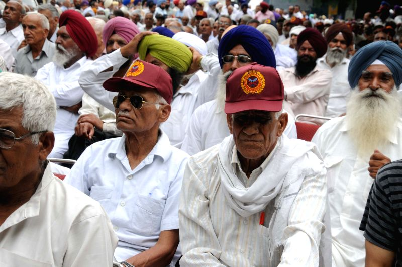 Ex-servicemen stage a demonstration to press for `One Rank One Pension` at  Jantar Mantar in New Delhi, on June 14, 2015.