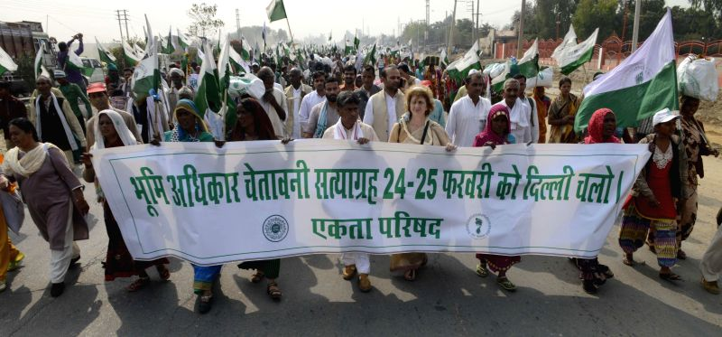 Farmers Foot March from Palwal to Jantar Mantar, New Delhi to protest against the controversial Land Acquisition Act in New Delhi, on Feb 21, 2015.