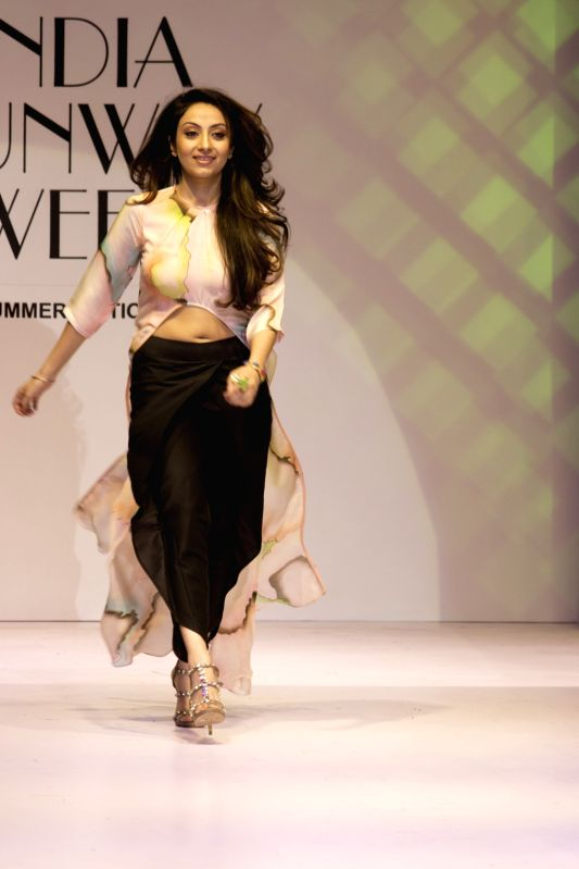 Fashion designer Bani Khurana showcases her creations at India Runway Week show, in New Delhi, on April 14, 2014.