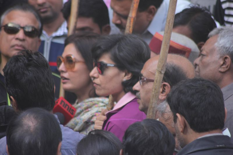 Fashion designer Ritu Beri, cricketer Anjum Chopra and BJP leader Vijay Goel participate in Clean India Campaign in New Delhi, on Dec 3, 2014.