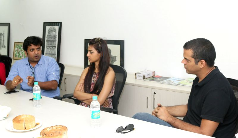 Film producer Harshavardhan G. Kulkarni, actress Radhika Apte and filmmaker Vikramaditya Motwane during an interview at IANS office in New Delhi on March 16, 2015. - Harshavardhan G. Kulkarni