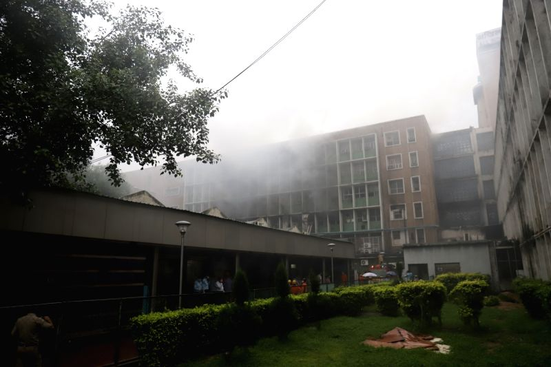 New Delhi: Fire breaks out on two floors of the AIIMS hospital building in New Delhi on Aug 17, 2019. No casualties have been reported so far.