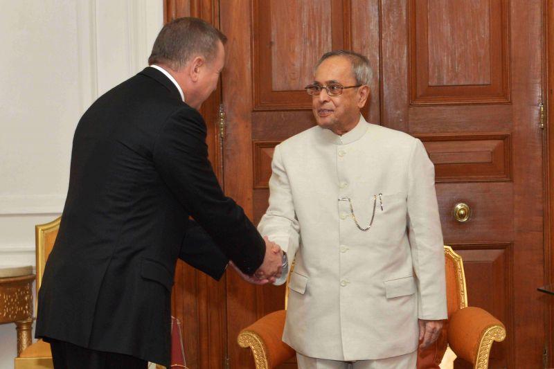 Foreign Minister of Belarus Vladimir Makei calls on President Pranab Mukherjee at Rashtrapati Bhavan in New Delhi, on April 15, 2015. - Pranab Mukherjee