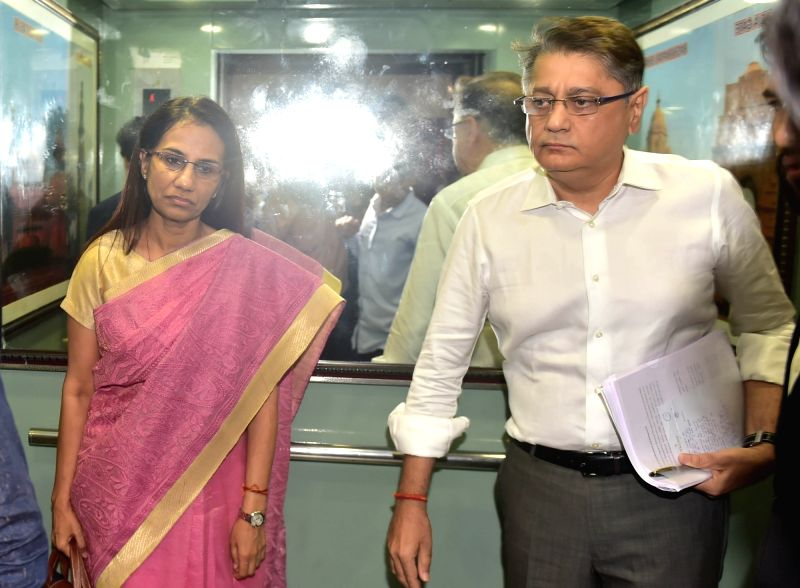 New Delhi: Former ICICI Bank chief Chanda Kochhar and her husband Deepak Kochhar arrive to appear before the Enforcement Directorate (ED) in connection with the Rs 1,875-crore Videocon loan case in New Delhi on May 13, 2019.