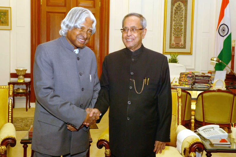 New Delhi:Former President of India Dr. A.P.J. Abdul Kalam calls on President Pranab Mukherjee at Rashtrapati Bhavan in New Delhi, on Dec 24, 2014. - Pranab Mukherjee