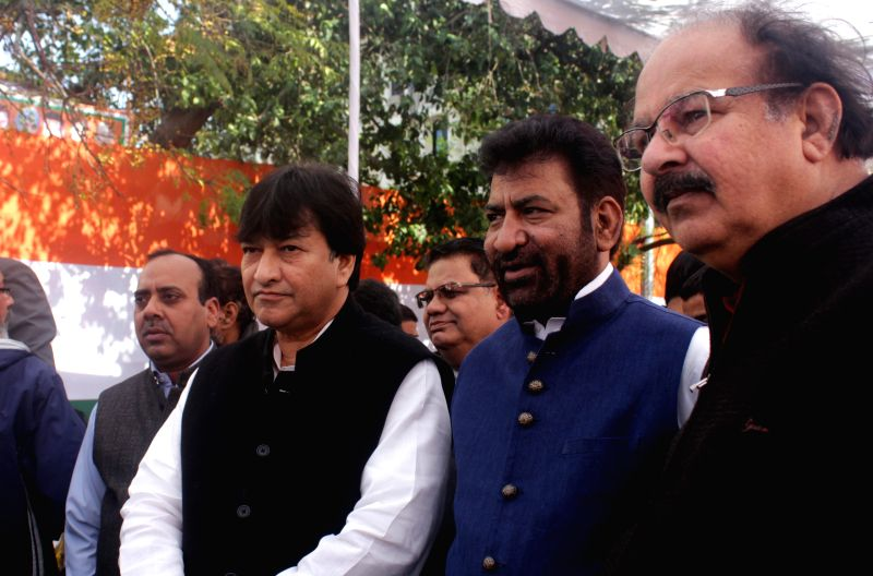 Haroon Yusuf and other Congressmen during a party programme in New Delhi, on Jan 5, 2015.