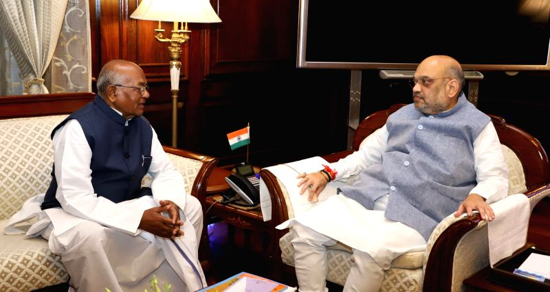 New Delhi: Haryana Governor Satyadev Narayan Arya meets Union Home Minister Amit Shah, in New Delhi on June 14, 2019. (Photo: IANS/PIB)