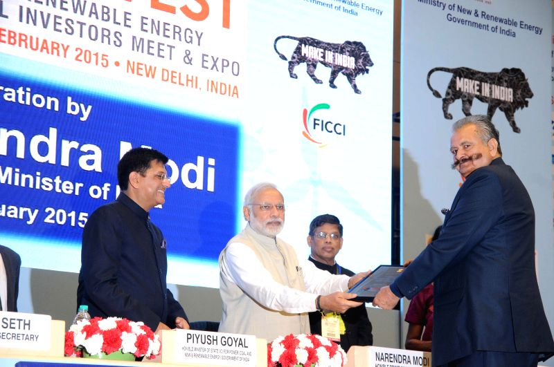 Himachal MPP and Power Minister Sujan Singh Pathania receives the National Award from Prime Minister Narendera Modi during RE-INVEST 2015 - India's first Renewable Energy Global ... - Sujan Singh Pathania and Narendera Modi