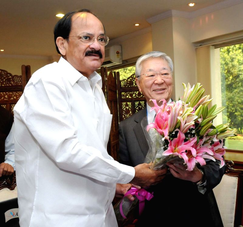 Hitachi CEO (Japan) Hiroaki Nakanishi calls on the Union Minister for Urban Development, Housing and Urban Poverty Alleviation and Parliamentary Affairs M Venkaiah Naidu in New Delhi, on ...