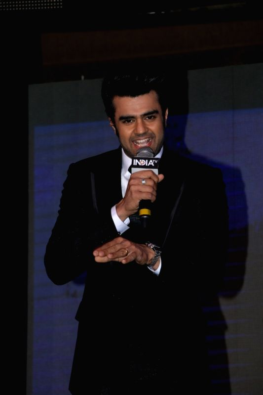Host and actor Manish Paul  during the `India TV Yuva Awards 2015` in New Delhi, on April 18, 2015. - Manish Paul