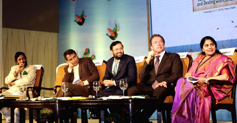 (L to R) Director General of TERI R K Pachauri, Union Railway Minister Suresh Prabhu, Minister of Environment & Climate Change Prakash Javadekar and former Governor of California ... - Suresh Prabhu
