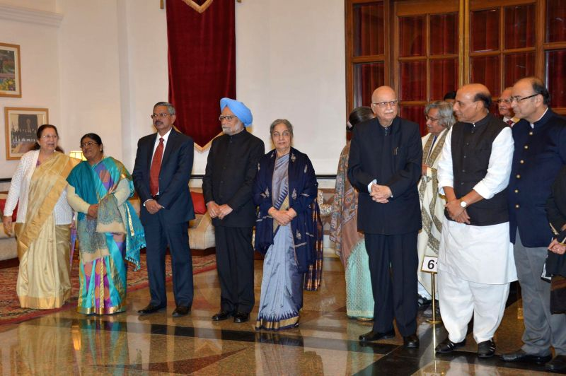 Lok Sabha Speaker Sumitra Mahajan, former prime minister Manmohan Singh, veteran politician and MP from Gandhinagar L K Advani, Union Home Minister Rajnath Singh and Union Minister for ... - Sumitra Mahajan, Manmohan Singh, Rajnath Singh, Arun Jaitley and Pranab Mukherjee