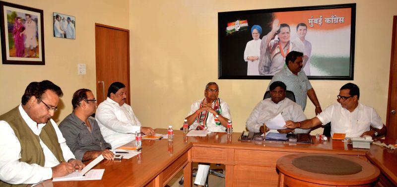 Maharashtra Congress General Secretary Mohan Prakash during a meeting with party legislators at Rajiv Gandhi Bhavan in Mumbai, on Jan 10, 2015. - Rajiv Gandhi Bhavan