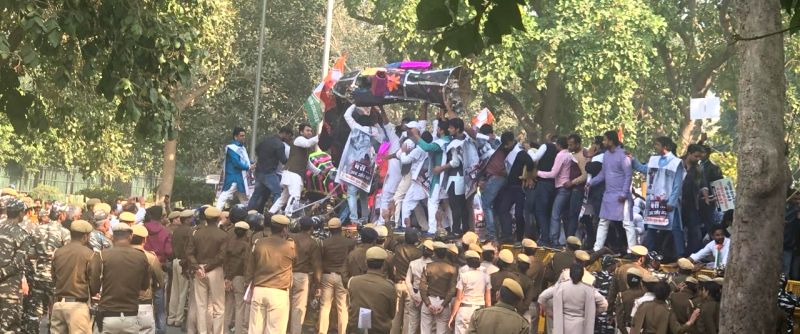 New Delhi: Members of the Youth Congress stage a demonstration against the government's decision to withdraw the Special Protection Group (SPG) cover off its top leaders, especially from the Gandhi family -- that of Sonia Gandhi, Rahul Gandhi and Pri