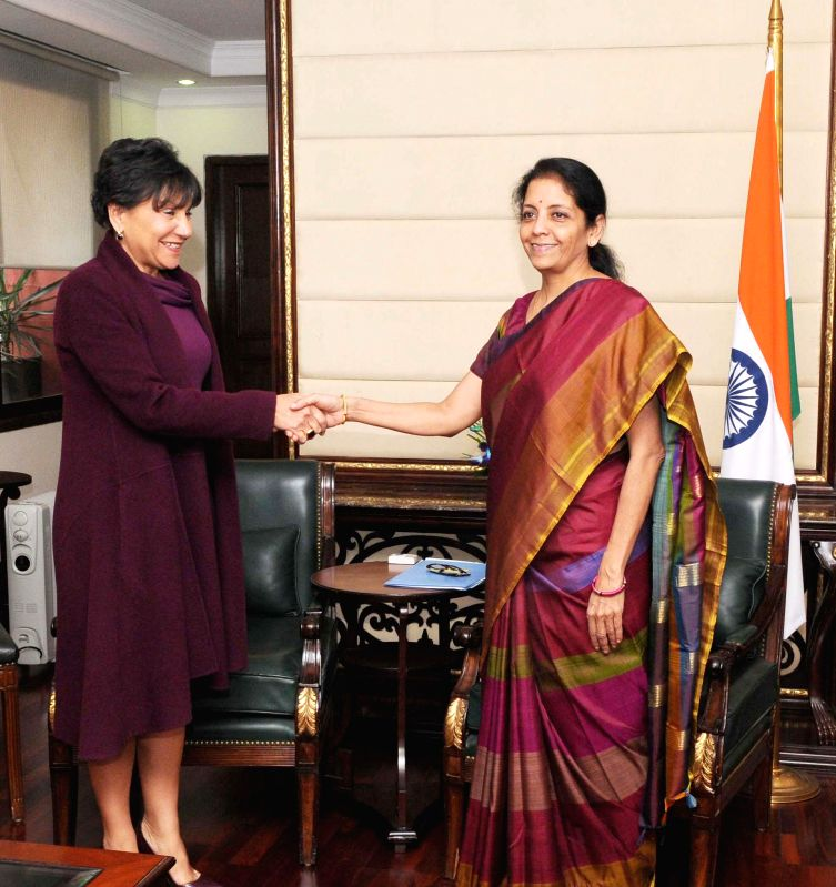 Minister of State for Commerce & Industry (Independent Charge), Nirmala Sitharaman meeting the US Secretary of Commerce, Penny Pritzker, in New Delhi on Jan. 27, 2015.