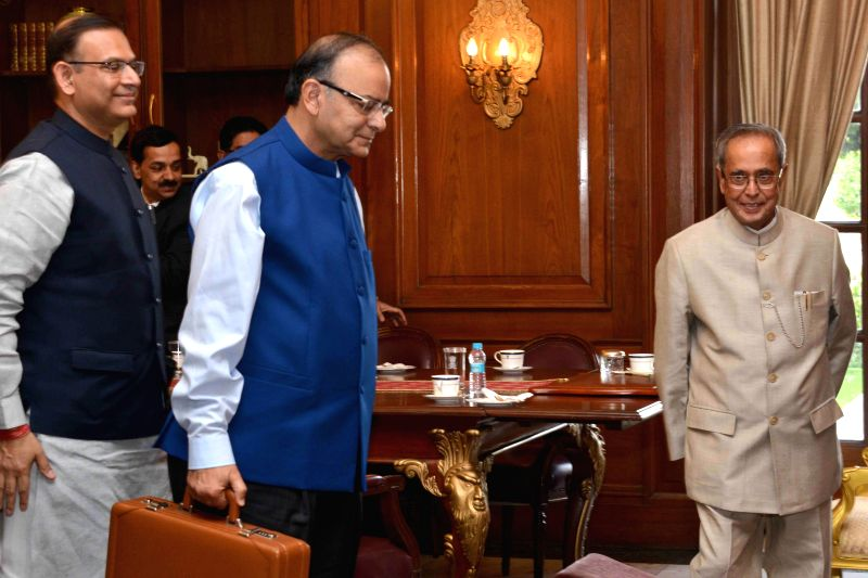 President Pranab Mukherjee meeting Finance Minister Arun Jaitley, MoS Finance Jayant Sinha and other officers from Ministry of Finance at Rashtrapati Bhavan on Feb. 28, 2015. - Jayant Sinha